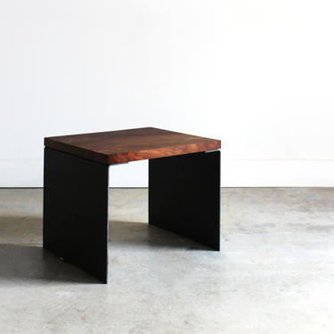 Modern Side Table by abdobuilds
