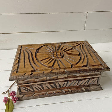 Vintage Wood Carved Flower Jewelry Box, Trinket Box, Keepsake Box, Special Gift Box, Vintage Floral Box, Rustic, Farmhouse Vanity Box, Gift by CuriouslyCuratedShop