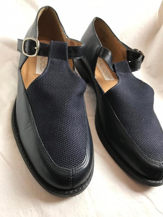 90's Navy blue leather shoes~ sandals~ canvas t-strap buckle hipster oxfords~ size 9-91/2 by HattiesVintagePDX