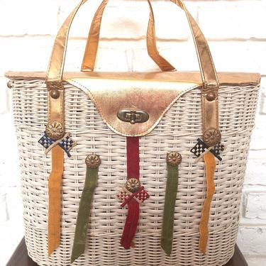 Vintage White Straw Bag Picnic Basket Purse Grand Prix Car Racing by TheUnapologeticSoul