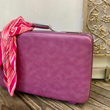 """Vintage Purple American Tourister Hard Shell Suitcase, 60's Groovy Red Violet 22"""" Wide Train Case, Medium Luggage, WITH KEY, Great Condition by luckduck"""