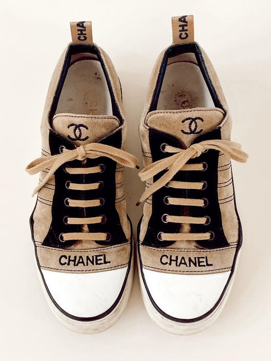 Vintage 90's CHANEL CC Logo Lace Up Beige Suede Leather Sneakers Trainers Tennis Shoes eu 40 / us 8.5 - 9 by MoonStoneVintageLA