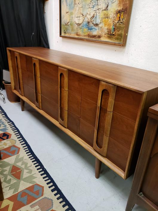 Lane First Edition Nine-Drawer Dresser
