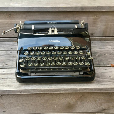 Glossy Black 1938 Corona Standard 4-Bank Portable Speedline 2C Typewriter with Case, Owner's Manual by Deco2Go
