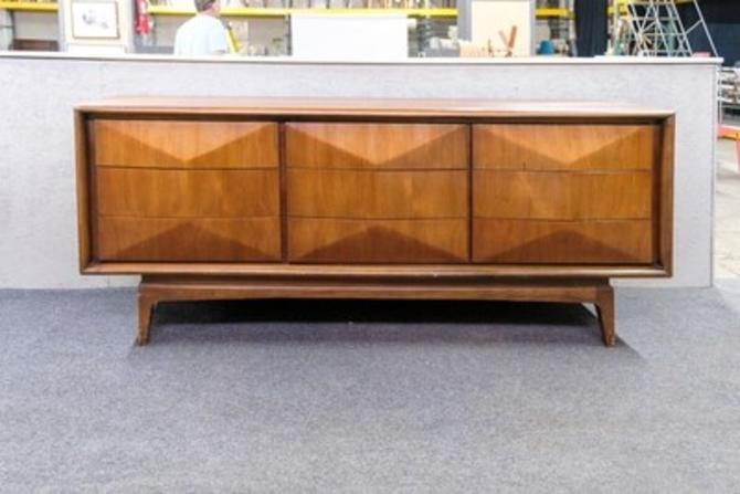 United Furniture Diamond Front Low Dresser