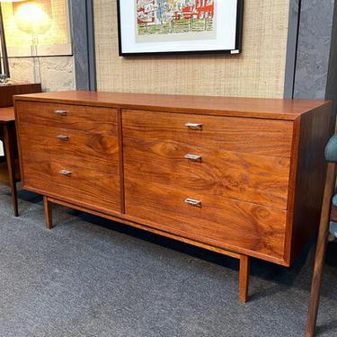 Jack Cartwright Founders 6 Drawer Dresser