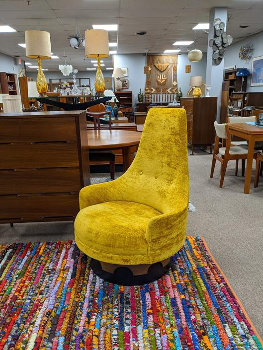 Mid-Century Modern swivel chair by Adrian Pearsall