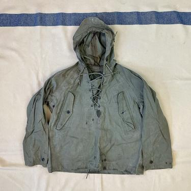 Size Small Vintage 1950s 1960s US Navy Wet Weather Parka w/ Pockets by BriarVintage