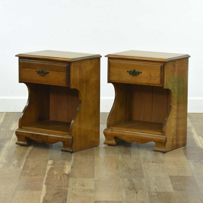 Pair Of American Traditional Nightstands W/ Drawer