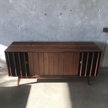 Mid Century Modern Stereo Console by Zenith Model Z960