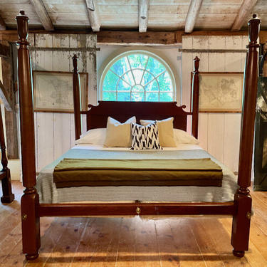 Virginia Lighthouse Bed in Mahogany. Original Posts, Circa 1820, Resized to King