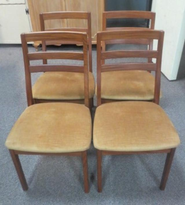 R171 Set of Four Mid Century Dining Chairs
