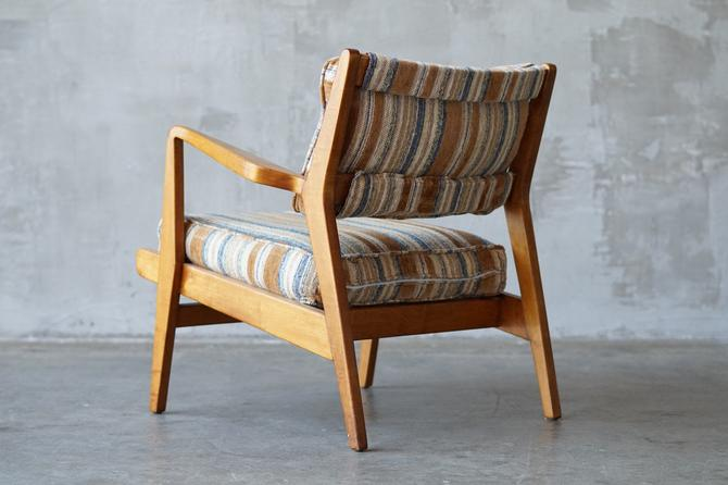 Early Jens Risom Lounge Chair. by FandFVintage