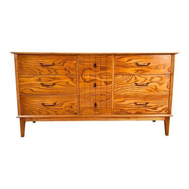 1960s Oak Wood Dresser With Dark Grain by 2bModern