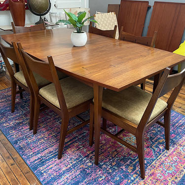 Vintage \u2018Rare\u2019 Lane Tuxedo Dining Table & 6 Chairs