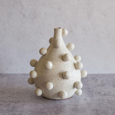 MADE TO ORDER Blob Vase in Speckled White | Handmade Ceramic Sculpture | Teardrop Vase | Modern Pottery | Art Object Unique Wedding Present by zzieeceramics