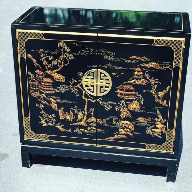 Pretty vintage Drexel Heritage small asian style cabinet by HolbrookBazaar