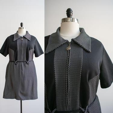 1970s Black Cocktail Dress XL / Vintage Plus Sized Dress / Vintage Black and White Dress / Vintage 1970s Dress XL / Super 70s Poly Dress by milkandice