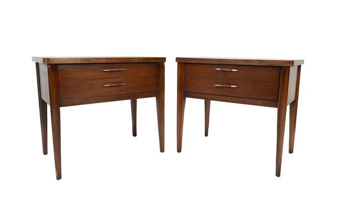 Broyhill Saga Nightstands Side Table Walnut Mid Century Modern by HearthsideHome