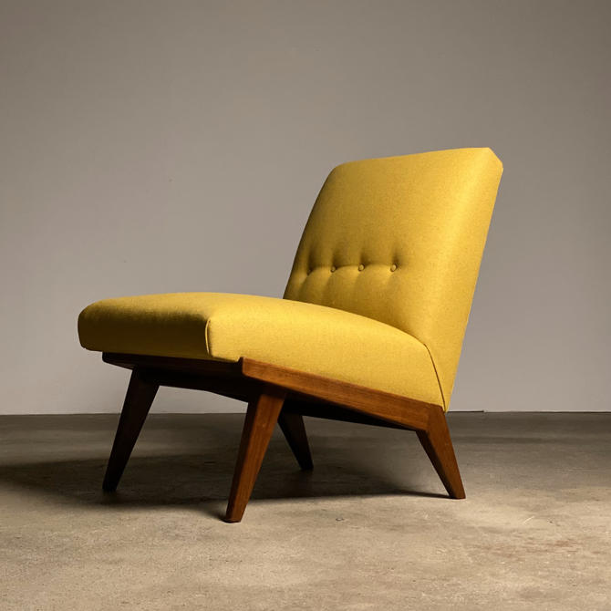 """Jens Risom 'Wedge"""" Slipper Lounge Chair by Knoll by midcenTree"""