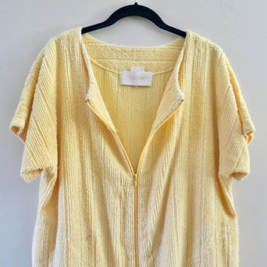 Vintage Robe - Herbcraft Short Robe - Zipper Front - Beach Coverup - Women's Chenille Robe - Spa Robe - Butter Yellow - Medium by SoulfulVintage