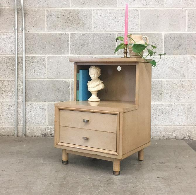 LOCAL PICKUP ONLY ———— Vintage mcm Nightstand by RetrospectVintage215