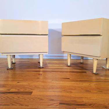 Mid Century American of Martinsville Pair of Nighstands by ProRefineFurnishings