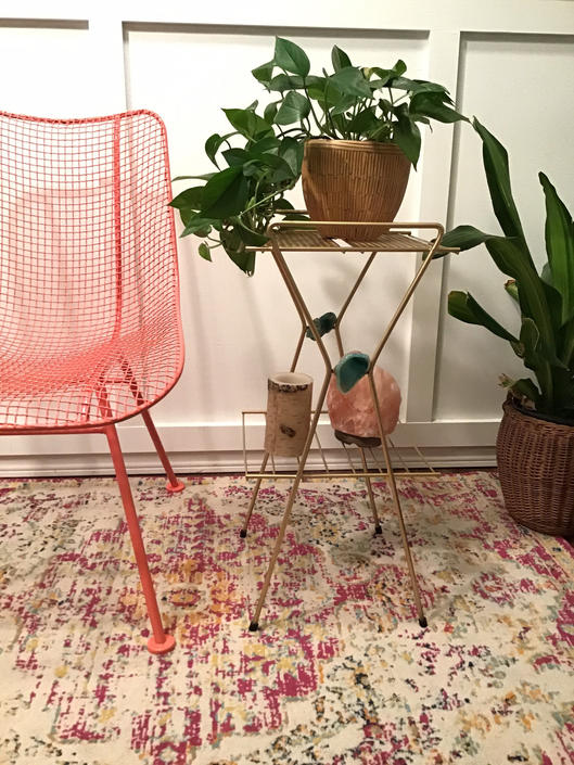 MCM Gold Wire Mesh Metal Plant Telephone Stand, Repainted Gold, Agate Detailed Small Display Stand, Etegere Mid Century by VintageCoreReStore