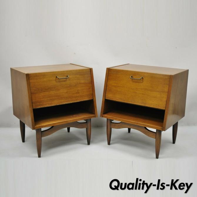American of Martinsville Mid Century Modern Walnut Nightstands Tables - a Pair