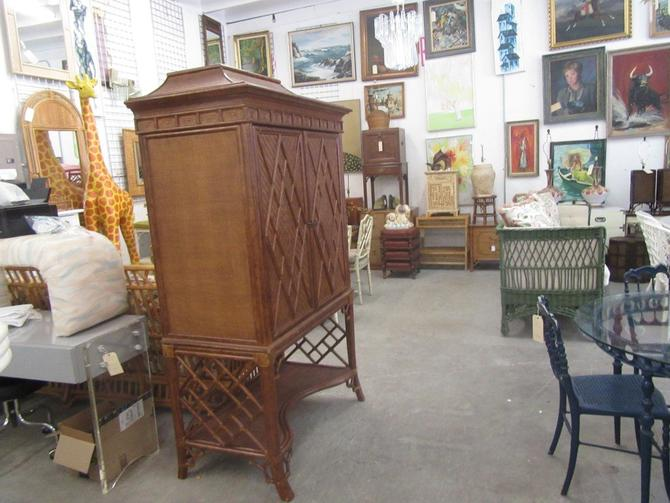 Chippendale Pagoda Rattan Cabinet