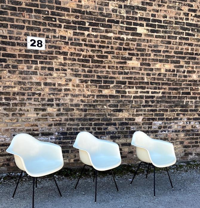 Mid-Century Eames for Herman Miller Fiberglass Shell Armchair