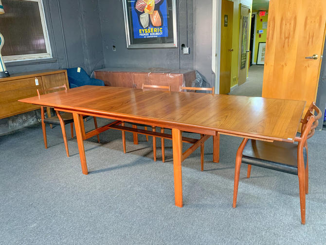 Teak extensions dining table