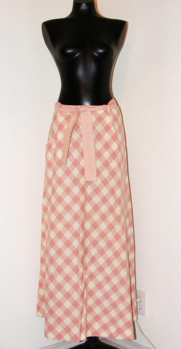 Vintage 1970s Pink & White Checkered Print Skirt by Sequel 1 by AllMyItems