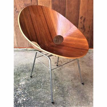 Mid Century bentwood  Eddie Harlis  Thonet chair.  Circa 1950s
