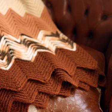 vintage afghan brown ivory and cocoa crocheted chevron afghan by suesuegonzalas