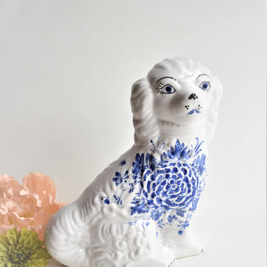 Blue & White Staffordshire Style Dog Figurine | Unique King Charles Spaniel Italian Slip Cast Pottery Transferware | Blue Onion Delft Look by LostandFoundHandwrks