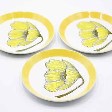 MIKASA Duplex Duet Yellow Salad Plates, Set of 3, Ben Seibel, White, Flowers, Floral Plate, Vintage, Retro, 70s Dinnerware Yellow Band by TripodVintage