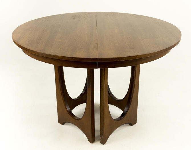 Broyhill Brasilia Round Dining Table by ModernHill
