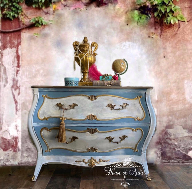 Stunning Cream Gold French Provincial Bombe Chest or Dresser. French Country Dresser. Vintage Chest. Entryway Accent Table. Boho, Henredon. by HouseofAalia