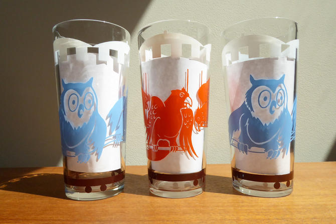 Vintage Circus Train Glassware | (3) Highballs | Owls Parrots Birds | Big Top | 1970s by TheFeatheredCurator