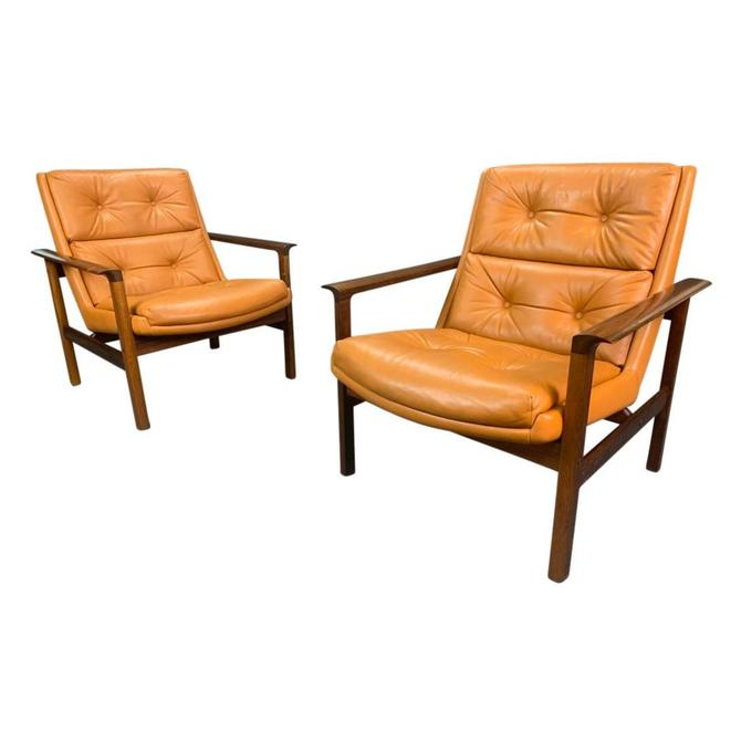 Pair of Vintage Danish Mid Century Modern Lounge Chairs Model #75 in Rosewood and Leather by Fredrik Kayser by AymerickModern