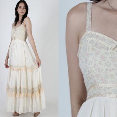 Vintage 70s Gunne Sax Long Tiered Boho Wedding Dress White Pink Garden Flowers Prairie Bouquet Floral Corset Calico Lace Maxi Dress by americanarchive