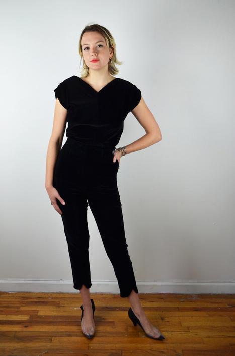 Vintage 50s 60s Black Velvet Cigarette Pants / 1960s Black Velvet Peddle Pushers Pants / 1950s / XS Small / Capri Pants by ErraticStaticVintage