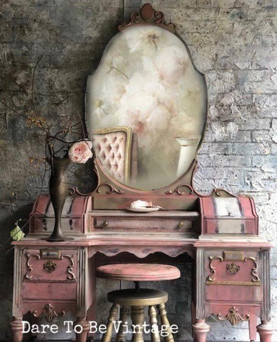 Hold Vintage Vanity French Country