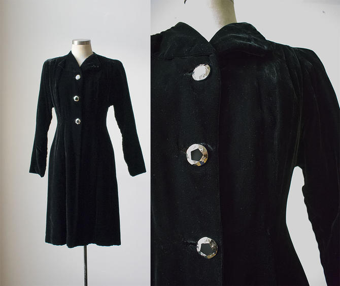 Vintage Black Velour Evening Coat / Dramatic 1940s Cloak / Black Velour Coat / Opera Coat / 40s Velvet Coat / 1940s Long Coat / Velvet Cloak by milkandice