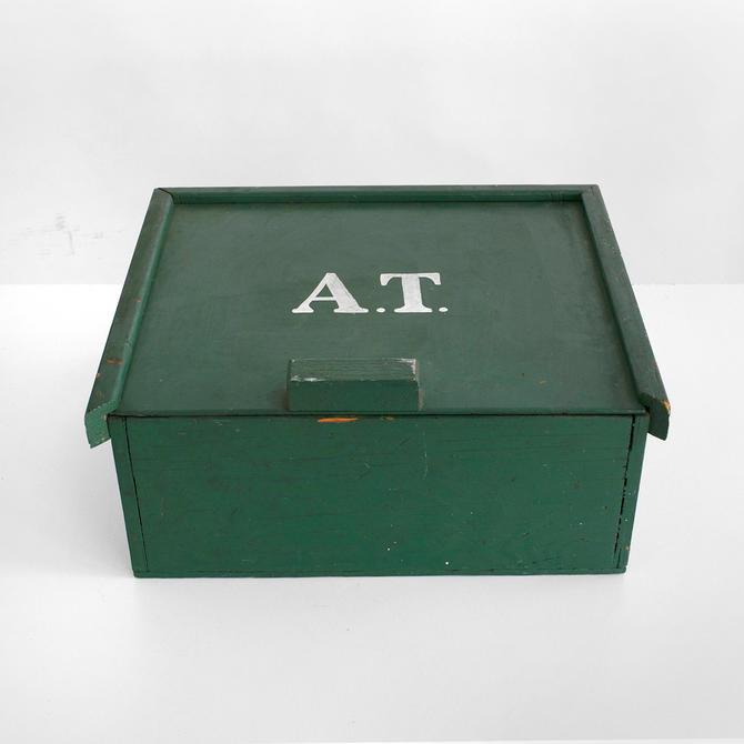 primitive box, folk art box , wooden box, hand-made box, vintage box, by pulpholyoke