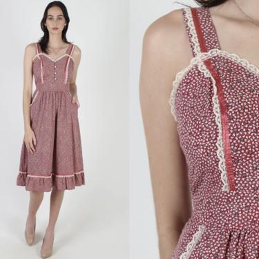 Vintage 70s Burgundy Calico Pockets Dress / 1970s Peasant Tiny Flower Print Dress / Prairie Waist Tie Gardening Tiered Mini Dress by americanarchive