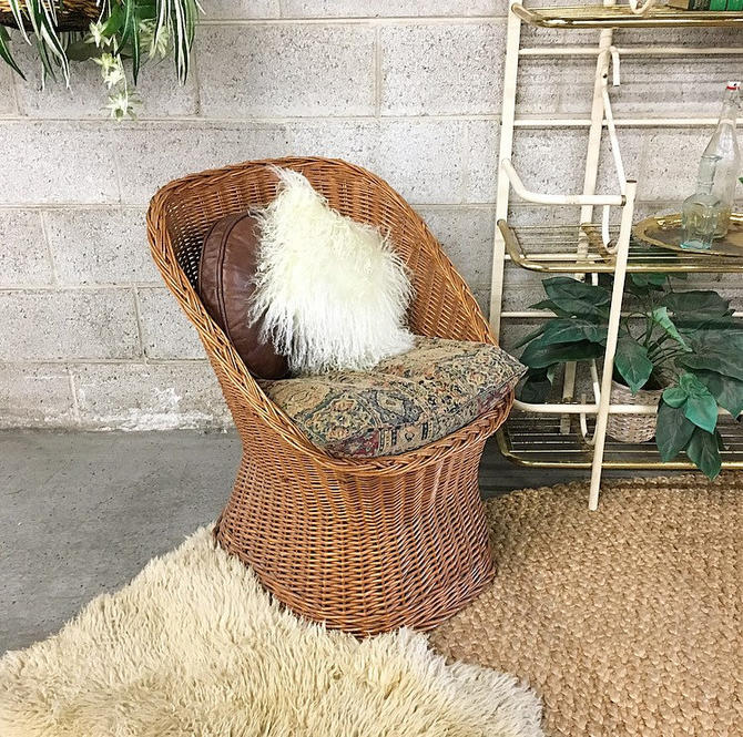 LOCAL PICKUP ONLY Vintage Wicker Chair Retro 1980s Brown Wicker Lounge Chair with Printed Seat Cushion for Indoor or Outdoor by RetrospectVintage215