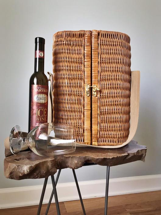 Vintage 70s Woven Picnic Basket by SpeakVintageDC