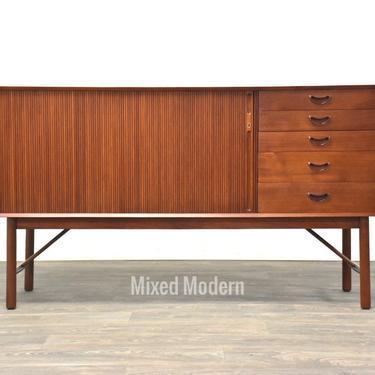 Mid Century Teak Credenza designed by Peter Hvidt by mixedmodern1
